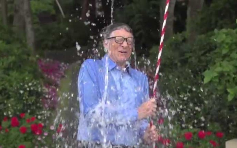 TechOne3_Bill-Gates-ALS-Challenge-800x500_c